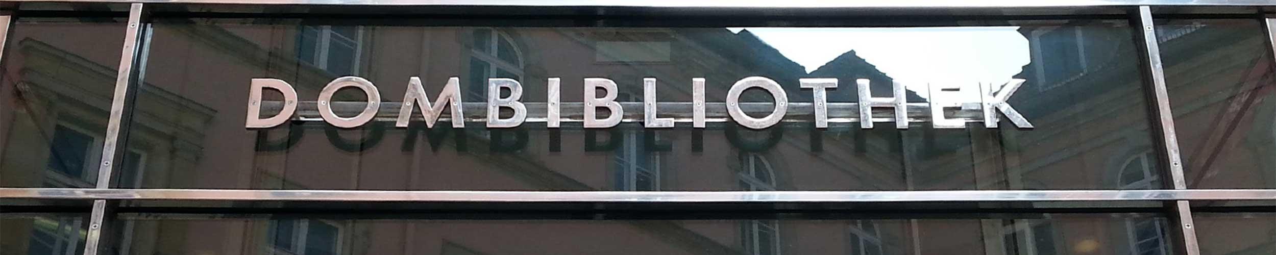 Eingang Dombibliothek